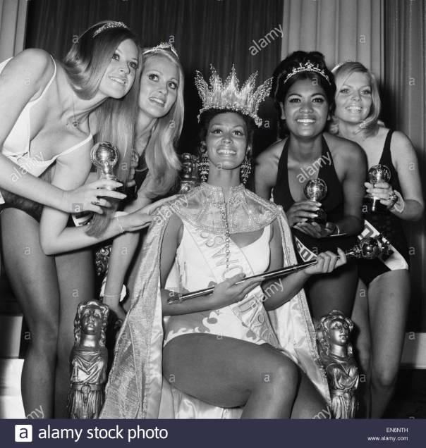 miss-world-competition-at-the-royal-albert-hall-20th-november-1970-en6nth
